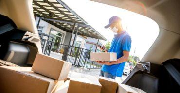Na imagem vemos produtos entregues por uma empresa que sabe como embalar sua encomenda.